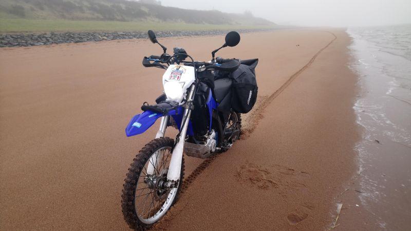 Wr250r equipped as a lightweight adventurebike Alt1